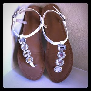 Vince Camuto White and clear stone sandals